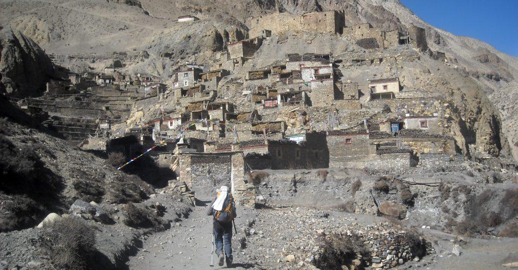 long trekking in Nepal Nar Phu valley trek