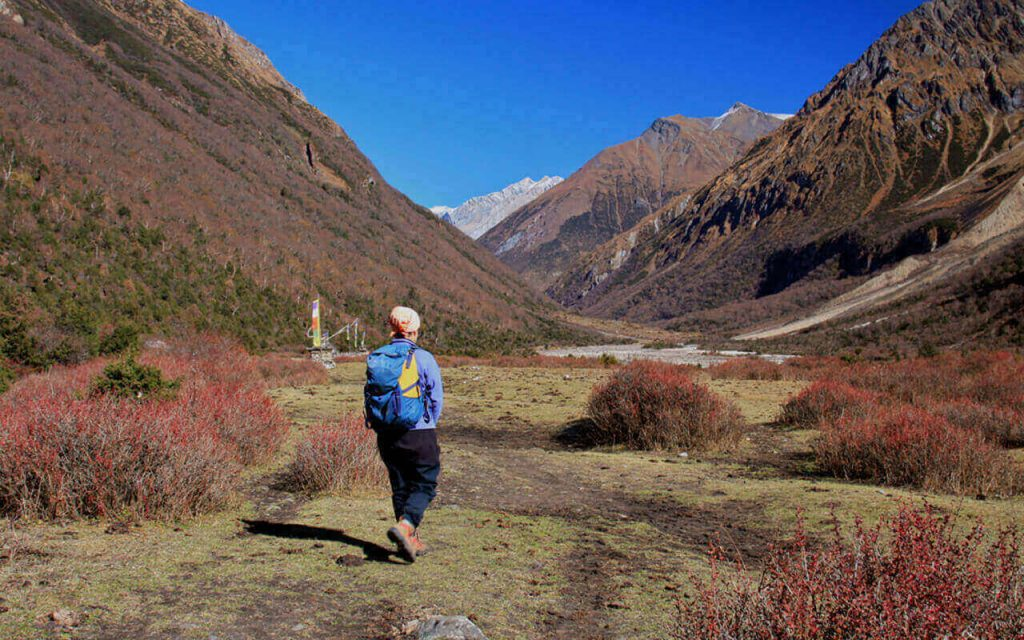 Heading out on his own at Manaslu.