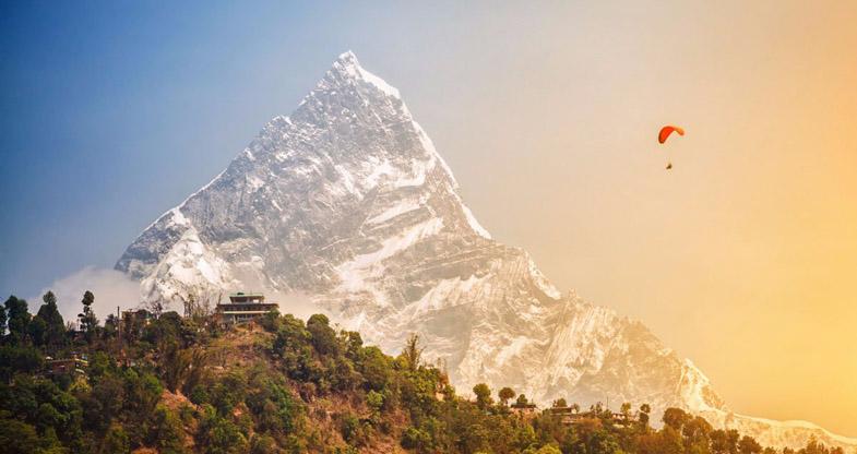 Paraglidin-in-Nepal