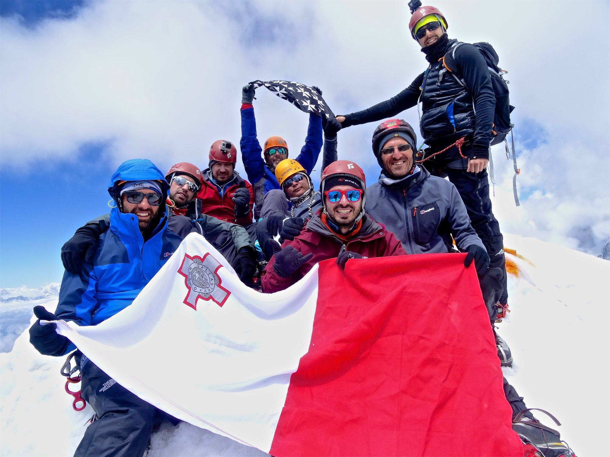 16 days Island Peak climbing (3)