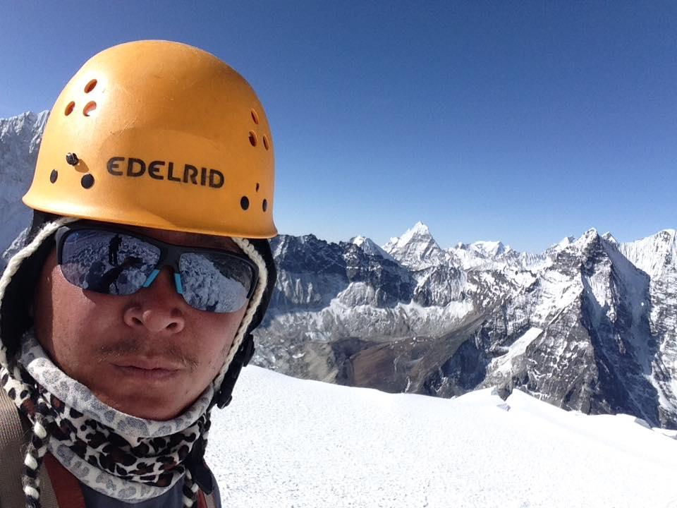 16 days Island Peak climbing (4)