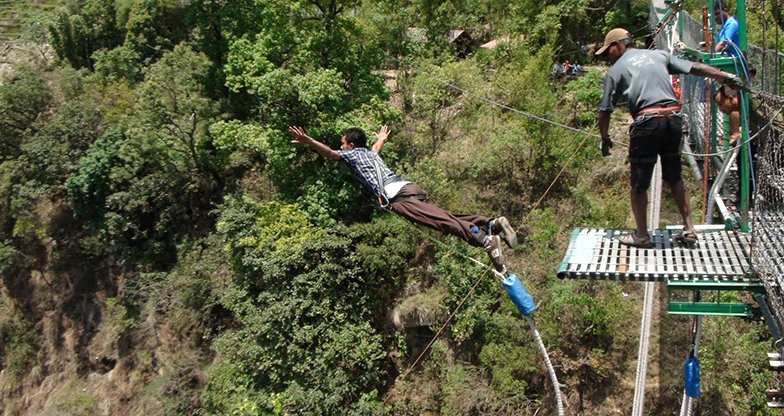 Bungee Jumping in Nepal (2)